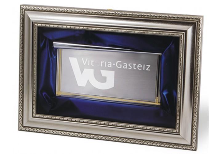 Placa de homenaje en cuadro 16-7662